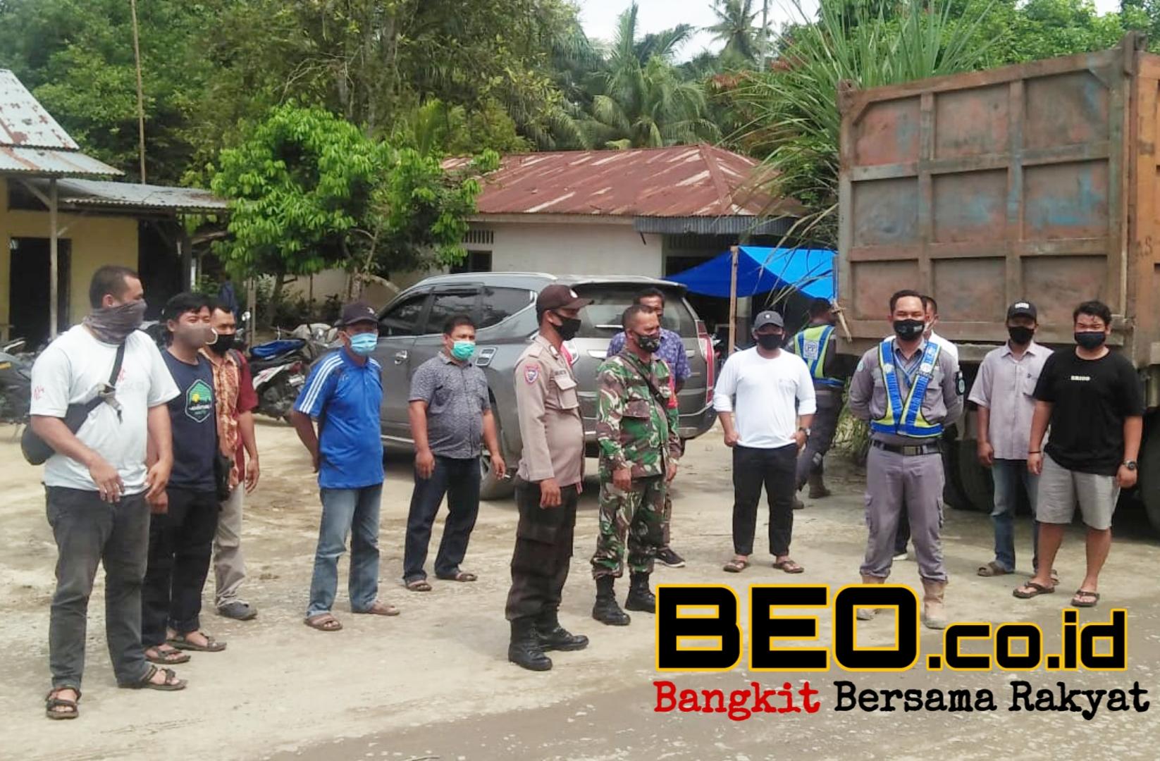 PT. PP Presisi Tidak Mengindahkan Somasi 3 Desa, Masyarakat Blokade Jalan