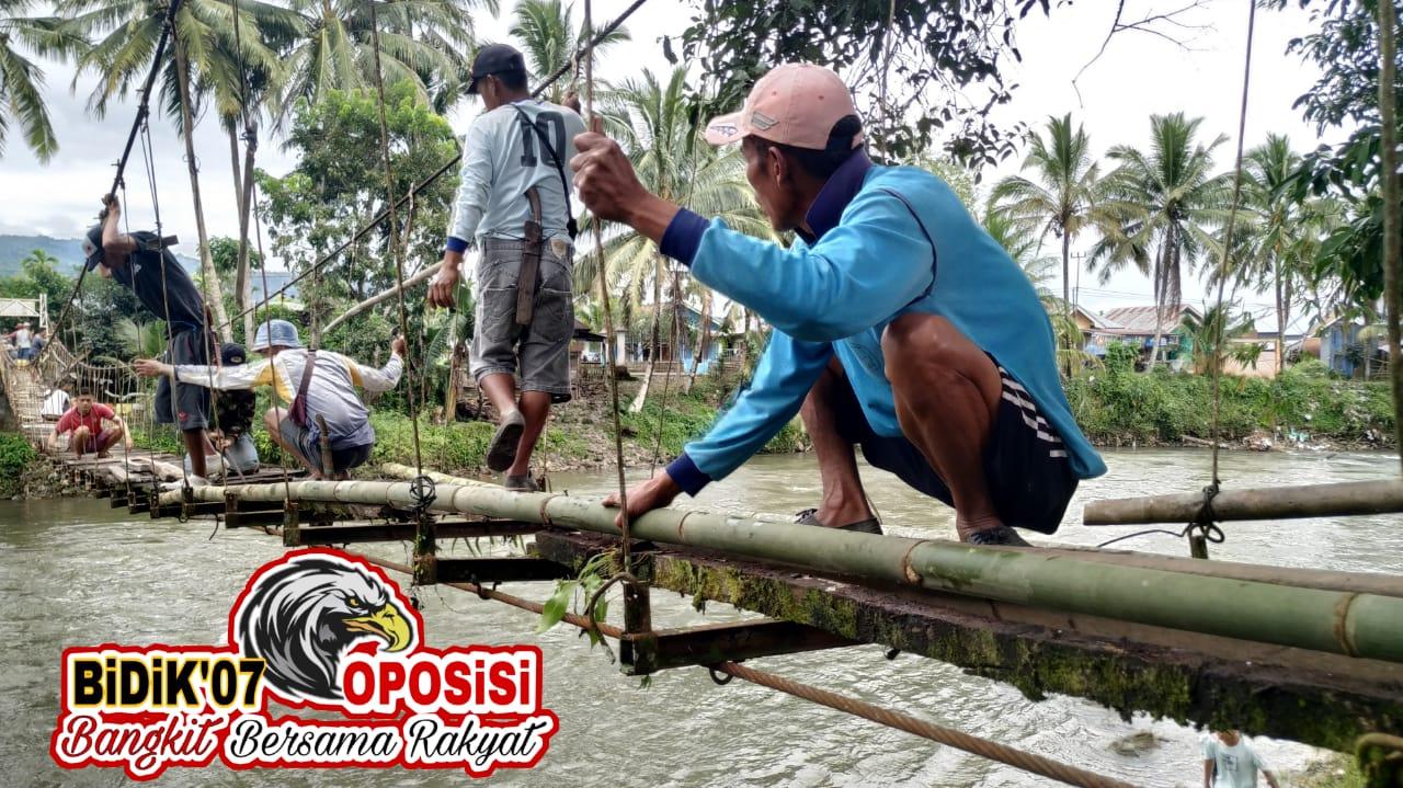 """Jembatan Gantung Selebar Jaya Berselimut Bambu, """"Bupati & Ketua Dewan Harus Dengar"""""""
