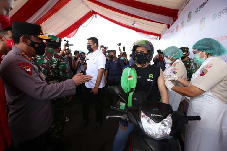 Vaksinasi Drive Thru Medan Jadi Role Model Wilayah Lain