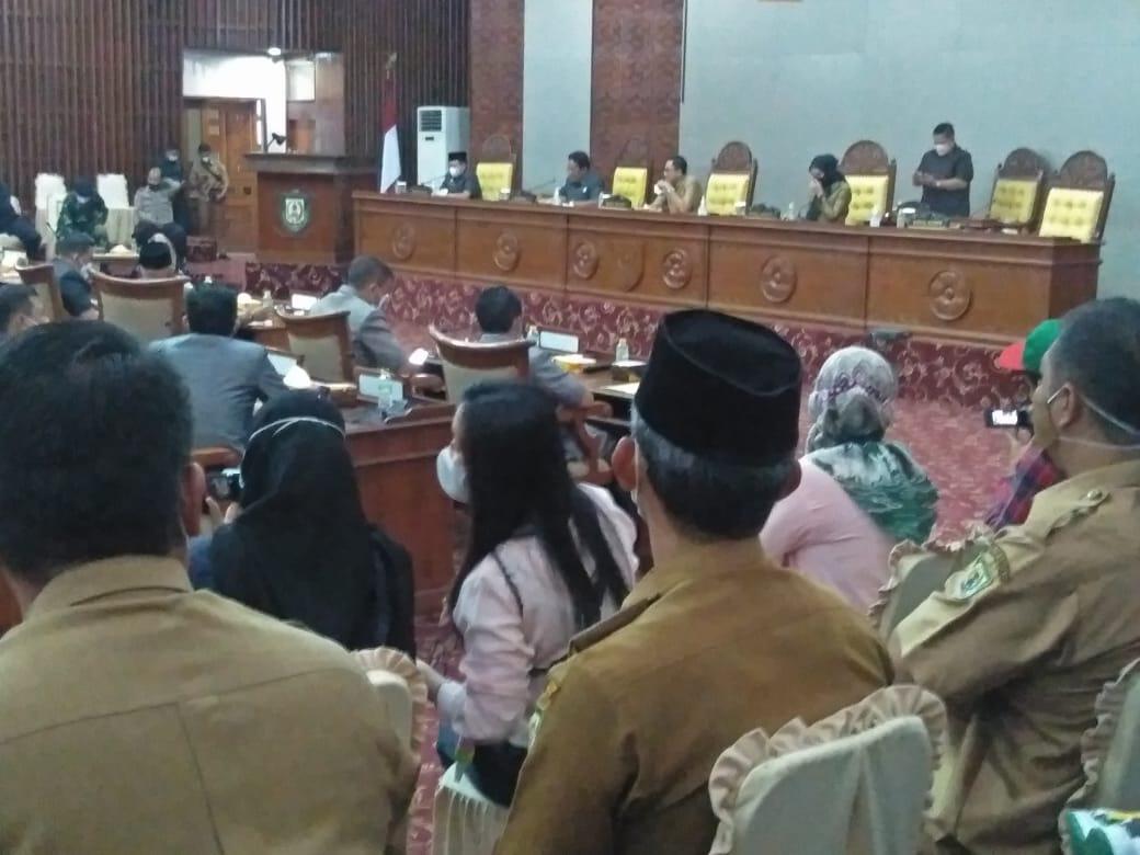 Gubernur Tidak Hadir, Paripurna LKPj DPRD Provinsi Bengkulu Berakhir Ditunda ?