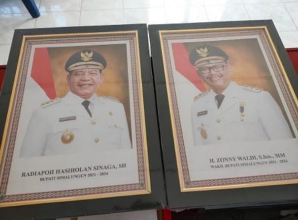 Diduga Korupsi, Penjualan Foto & Majalah Bupati Simalungun Dipolisikan
