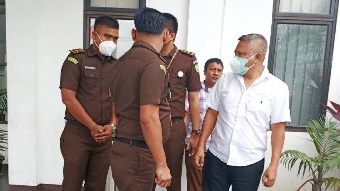Dituntut 5 Tahun, Mantan Direktur Utama PD PAUS Herowin Sinaga Minta Bebas